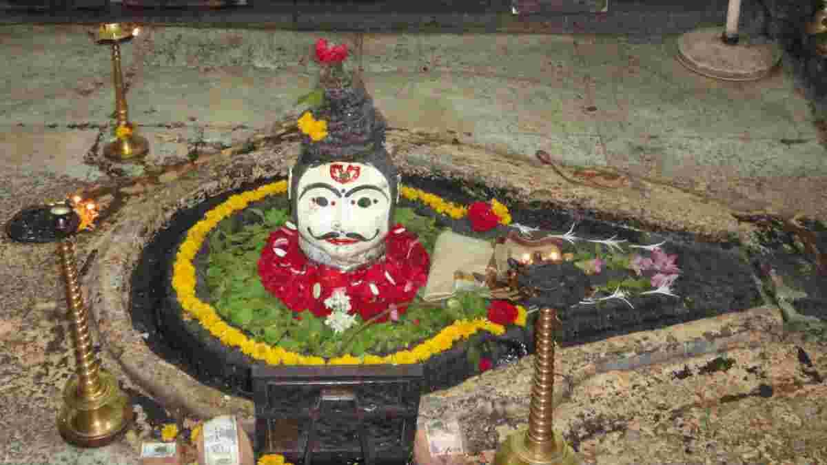 Trimbakeshwar Shiva Temple
