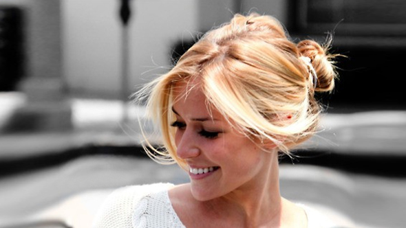 Hairstyles in Hindi-Messy Bun