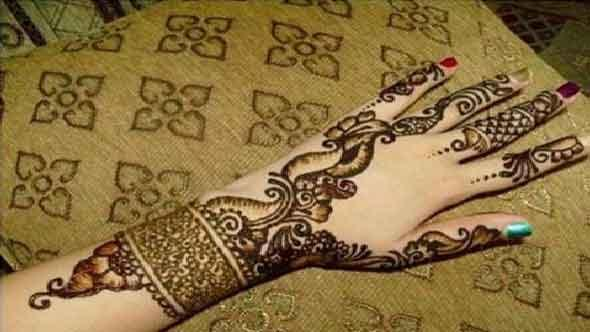 bangle-style-mehndi-for-karva-chauth