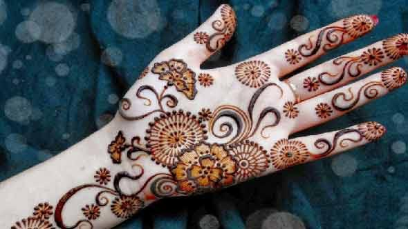 flower-mehndi-for-karva-chauth