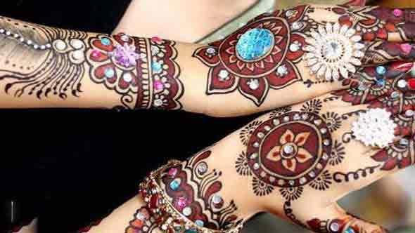 glitter-mehndi-for-karva-chauth