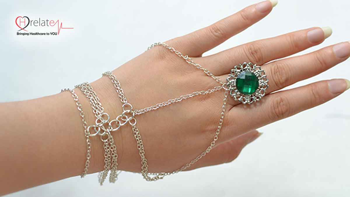 hand-chain-with-ring
