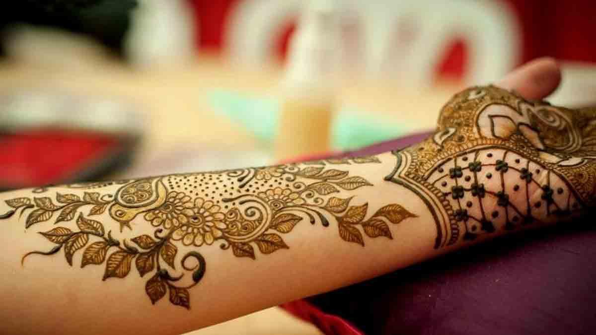 Leafy-henna-design